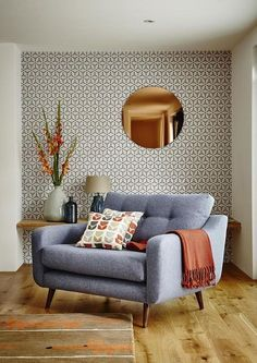 Round Copper Wall Mirror and Wallpaper Combination Modern Living Room. Round Copper Wall Mirror and Wallpaper Combination Modern Living Room. Mid Century Modern Living Room, Mid Century Modern Design, Living Room Modern, Home Living Room, Living Room Designs, Small Living, Mid Century Modern Wallpaper, Living Area, Living Room Wallpaper Accent Wall