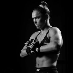 Three Days until the return Ufc, Ronda Rousy, Powerful Women, Martial Arts, Che Guevara, Workout, Black And White, Instagram Posts, Fitness