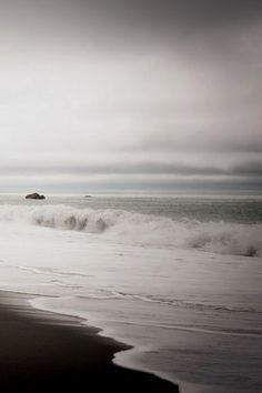 beach waves, the ocean, natur wonder, ocean waves, storm cloud, sea, grey, beauti, photo