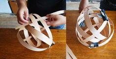 lampada con listelli di legno intrecciato
