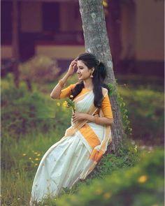 Half saree Nail Desing e-art nail design budapest Beautiful Girl Photo, Beautiful Girl Indian, Beautiful Saree, Beautiful Indian Actress, Beautiful Eyes, Beautiful Women, Kerala Wedding Photography, Indian Photography, Girl Photography Poses