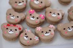 Cute Teddy Bear macarons for a little girls party. (Little Mix Cake) Desserts Japonais, Cute Food, Yummy Food, Cake Pops, Kawaii Dessert, French Macaroons, Macaroon Recipes, Cute Desserts, Cute Cookies