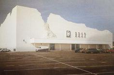 Biuro projektów SITE-James Wines z zespołem, dom handlowy firmy BEST w Houston, Teksas, 1974-1975