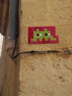 Space invader street art, Montpellier