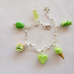 Bracelet gourmand vert biscuit coeur donuts glaces et guimauve en fimo