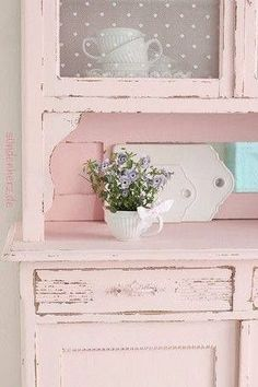 Shabby Chic cabinet in pale pink