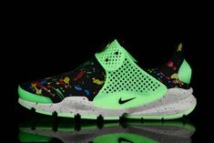 first rate 1ccb9 6fda9 Girl WMNS Nike Sock Dart lightning MultiColor Black Floral Glow Green Sock  Dart, Cheap Shoes