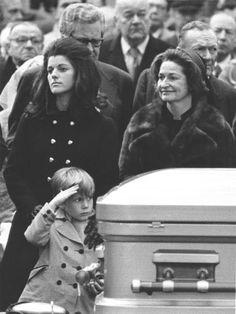 President Lyndon B. Texas History, Us History, American History, Presidents Wives, American Presidents, John Connally, Lyndon B Johnson, Los Kennedy, Johnson Family