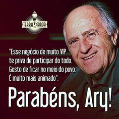 """Parabéns, Ary Fontoura!   No mundo da televisão brasileira, muitos atores costumam reclamar da escassez de papéis para os profissionais mais velhos. Porém, Ary Fontoura não tem do que reclamar: aos 80 anos, ele interpreta um médico em papel de destaque na novela """"Amor à Vida""""."""