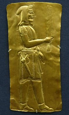 4th-5th C. BCE. Achaemenid-Persian empire, gold plaque of a 'Magian' who performed the sacrificial rites of burning of grains to the gods. British Museum.