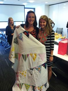 Kaitlyn hand-made a baby blanket for Kelly! This is amazing. Read her blog to see how she did it. @Kaitlyn Dennihy