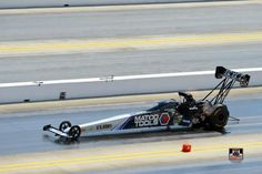 Antron Brown and Team at the 2015 Carolina Nationals at Zmax Drag Way in the Matco Tools Nitro Dragster
