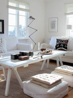 Love the colors, neutral items and am absolutely crazy about that lamp!