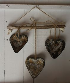 Primitive Valentine Decor