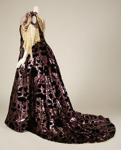Ball gown (image 2) | House of Worth | French | 1898-1903 | silk | Metropolitan Museum of Art | Accession Number: 49.3.8a, b