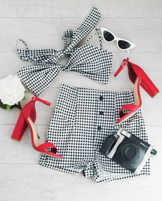 Devin Gingham Crop Top Devin Gingham Crop Top Admin See author's posts Related Chic Outfits, Pretty Outfits, Girl Outfits, Fashion Outfits, Ootd Fashion, Fashion Trends, Cute Summer Dresses, Summer Outfits, Outfits With Converse