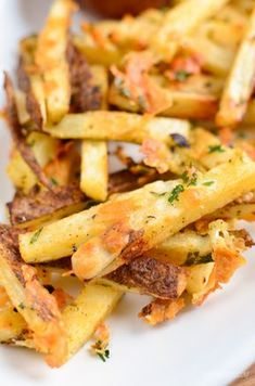 Slimming Eats Garlic Parmesan Fries - gluten free, vegetarian, Slimming World and Weight Watchers friendly Slimming World Snacks, Slimming Eats, Ww Recipes, Cooking Recipes, Healthy Recipes, Recipies, Cooking Ideas, Garlic Parmesan Fries, Parmesan Recipes