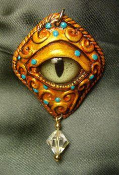 dragon eyes with gems! Polymer Clay Dragon, Polymer Clay Beads, Polymer Clay Projects, Polymer Clay Creations, Eye Jewelry, Jewelry Art, Jewlery, Biscuit, Dragon Jewelry