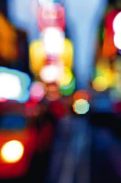2. Platz Jo Krausz, Frankfurt am Main New York ist die wohl meistfotografierte Stadt der Welt. Und doch schaffen es manche Fotografen noch immer, ungewöhnliche Motive in der Mega-City aufzunehmen. Das farbenfrohe Bild