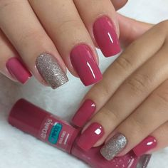 Want some ideas for wedding nail polish designs? This article is a collection of our favorite nail polish designs for your special day. Pink Gel Nails, Silver Nails, Shellac Nails, Love Nails, My Nails, Manicure, Silver Glitter, Nail Polish Designs, Nail Art Designs