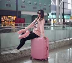Jeans Style, Casual Looks, Ulzzang, Dressing, Instagram, Clothes, Airport Outfits, Travel Outfits, Essentials