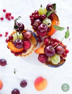 ... mni tartlets with millet vanilla pudding and fresh summer fruits (v/gf) ...