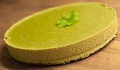 """Grønn """"ostekake"""" med kruspersille - http://sunndessert.no/ostekake-med-kruspersille/"""