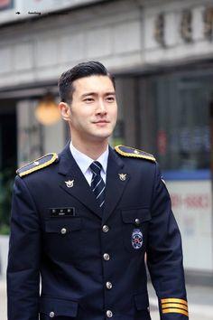 Leeteuk, Heechul, Korean Star, Korean Men, Korean Actors, Asian Haircut, Asian Men Hairstyle, Choi Siwon, Lee Donghae