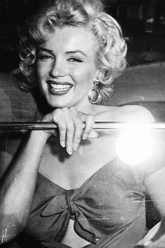 Marilyn Monroe, 1952 via vintagegal