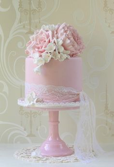 Nice and girly, great for a baptism cake, make icing a softer pink, or light salmon, mint green, lemon, possibilities are endless.