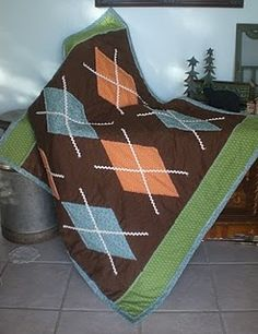 A cute boy quilt designed by Sassypants.   IT'S SUPER FAST AND SUPER CUTE!