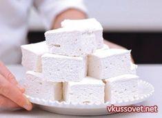 Домашний зефир из кефира. кефир – 1л., вода – 2ст., сахарный песок – 1ст., нежирная сметана – 3/4ст., желатин – 2ст.л., сахар ванильный – 1/2 пакетика.