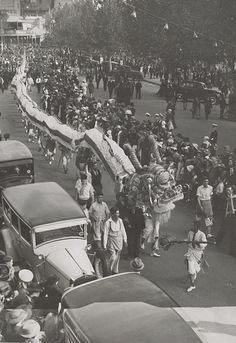 Elevated view of Chinese dragon in Bendigo street, crowd lining street watching. Newspaper clipping pasted to verso, Old Pictures, Old Photos, Vintage Photos, Melbourne Victoria, Victoria Australia, Chinese Lion Dance, Chinese Dragon, Shanghai City, Besties