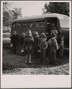 Children from Dead Ox Flat get off the bus at the schoolyard in Ontario, Malheur County, Oregon, in October of College Library, New York Public Library, Ben Shahn, Valley College, Old School, School Buses, School Days, Historical Pictures, Still Image