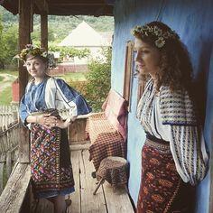 Romania People, Popular Costumes, Transylvania Romania, City People, Country Women, Folk Fashion, Medieval Clothing, Folk Costume, Beautiful People