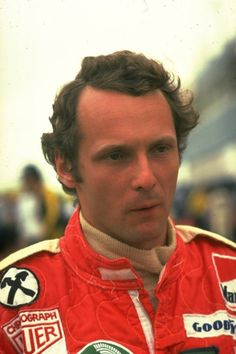 """""""Ich will nicht mehr im Kreis fahren."""" Mit diesem Satz beendete  Niki Lauda ..."""