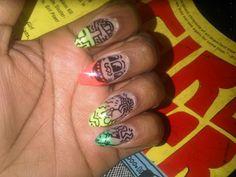 LOVVVVEEEEE her K.Haring nails, tooo fab!
