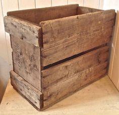 Antiquité. Collection. Très ancienne caisse de bois Lévis Chaudière-Appalaches…