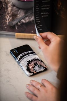 Beautiful phone cases made in Canada with top quality materials! Choose for a va. Cute Cases, Cute Phone Cases, Samsung Cases, Iphone Cases, Samsung Galaxy, Tiny Butterfly Tattoo, Headband Styles, Apple Products, Phone Covers