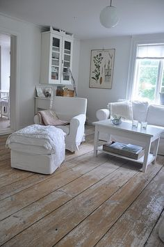 love this antique look. Old rustic feel.