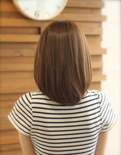 ストレートヘアスタイル(kE-272) | ヘアカタログ・髪型・ヘアスタイル|AFLOAT(アフロート)表参道・銀座・名古屋の美容室・美容院