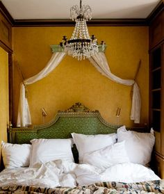 French Country Charm - French country, charm-- it's warm, enchanting, cozy and wonderful. A little home, art and decor to inspire your french country style today. via:enchantedh Antique Interior, French Interior, French Decor, French Country Decorating, Country Style Homes, French Country House, Country Charm, French Cottage, Country Living