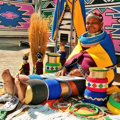 Ndebele, South Africa Africa Fashion, Tribal Fashion, Fashion Art, African Traditional Wear, Traditional Dresses, African Accessories, Tribal Dress, African Girl, African Tribes