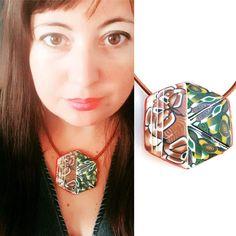 Secondo ciondolo della #colorfull #collection nei toni autunnali  un esagono tagliato ed inciso a mano stavolta senza cutters . . .  #archidee #becreative #bepositive #pastepolimeriche #polymerclay #fimo #cernit #sculpey #handmade #supporthandmade #fattoamano #artigiano #artesanal #artesanado #diy #jewelrydesign #madebyme #jewels #necklace  #heartmade #instajewelry #pendant #fashionjewelry #inselfie #selfietime #myself #instafashion