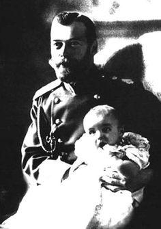 Emperor Nicholas II of Russia with Tsarevich Alexei. 1905. #Russian #history #Romanov