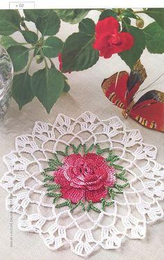 Crochet doilies from web - Barbara H. - Álbuns da web do Picasa Crochet Mandala, Filet Crochet, Crochet Motif, Crochet Designs, Crochet Home, Love Crochet, Beautiful Crochet, Crochet Flowers, Tatting Patterns