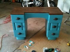 Turquoise refinished desk. Painted stained refurbished two tone stain desk. Furniture projects. DIY furniture project. Old furniture ideas.