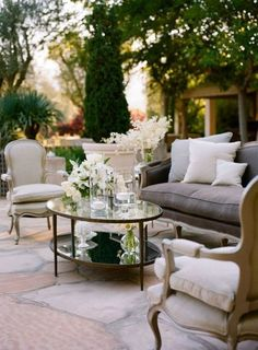 Beautiful outdoor living room ~ I have one question.don't these beautiful, elegant outdoor patios, ever get bad weather? Outdoor Rooms, Outdoor Dining, Outdoor Gardens, Outdoor Furniture Sets, Outdoor Decor, Outdoor Seating, Outdoor Lounge, Indoor Outdoor, Lounge Seating