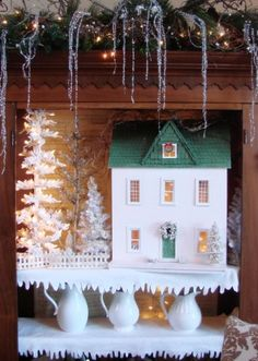 A white Christmas on the Farm. #Christmas decorating ideas #white Christmas #snow #vintage Christmas...come visit my blog @www.sugarpiefarmhouse.com