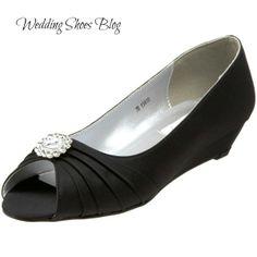Simple yet glamorous. http://www.weddingshoesblog.com/flat-black-wedding-shoes-that-youll-be-proud-to-wear/ #wedding #shoes #fashion